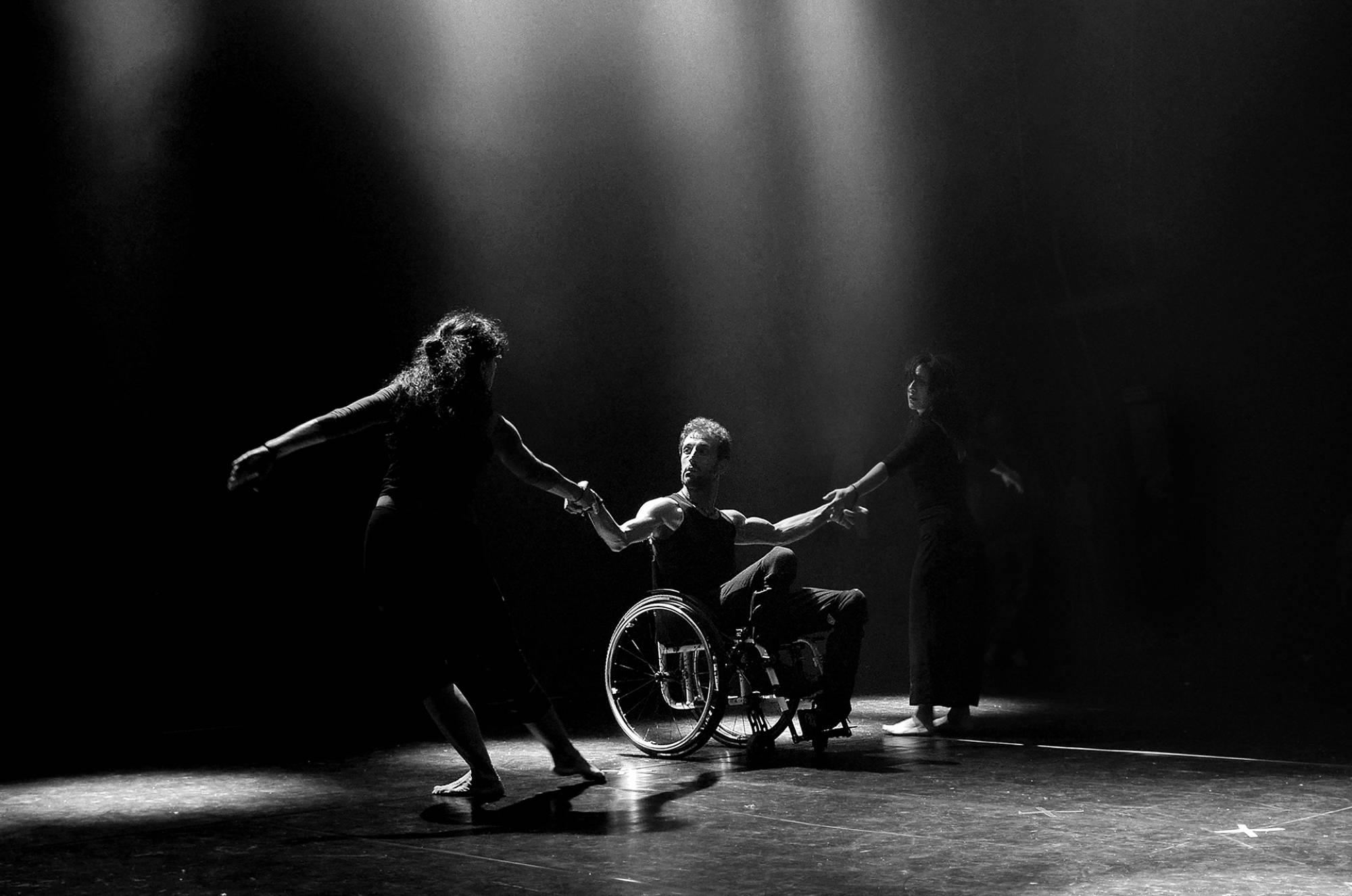 01 FIAP Gold Medal, Bruno Madeddu, Italy, special dance n6